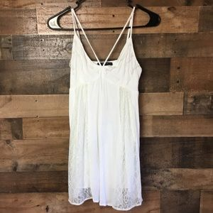 Forever 21 | Halter top in White and Ivory Small